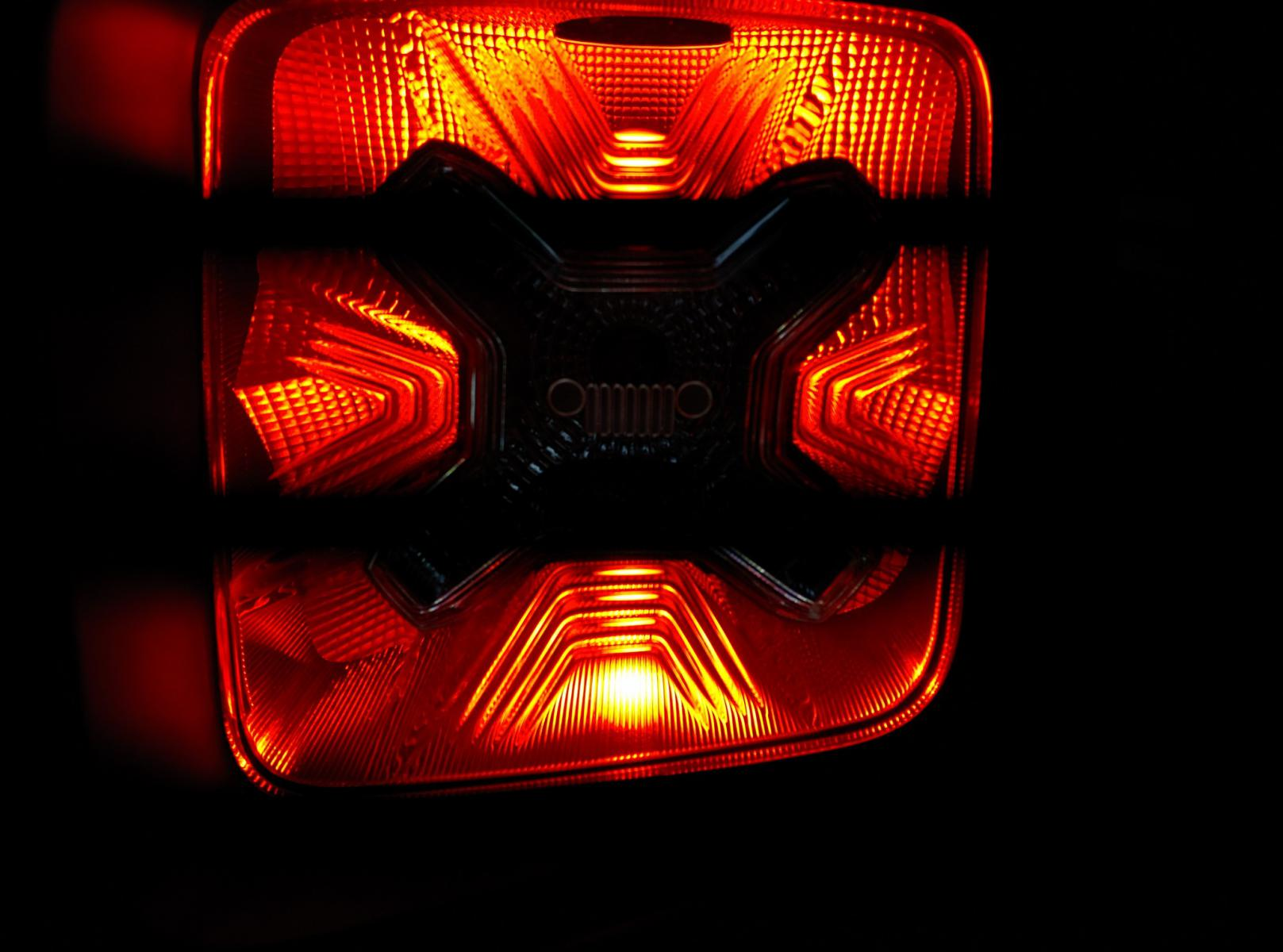 Considering Leds Page 2 Jeep Renegade Forum Vs Fiat 500x Click Image For Larger Version Name 2015 08 16 200147