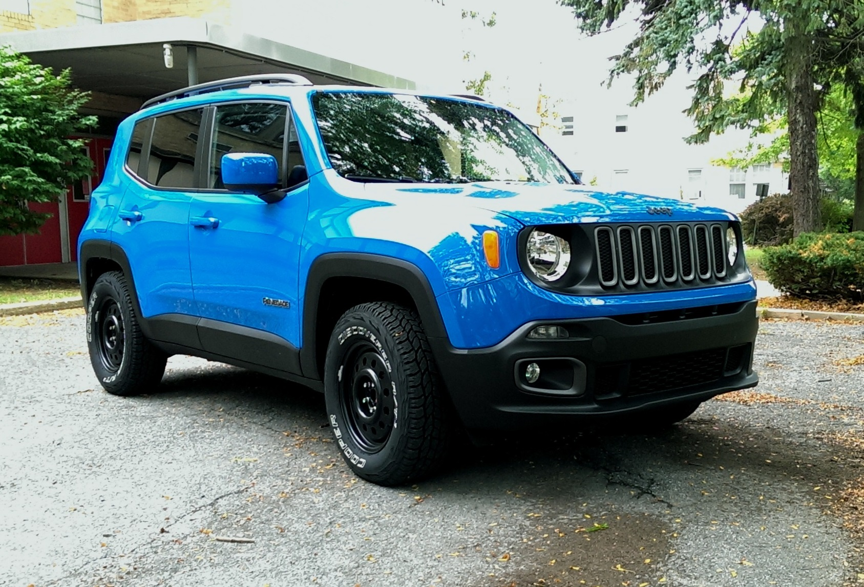 when can i purchase the jeep renegade trailhawk autos post. Black Bedroom Furniture Sets. Home Design Ideas