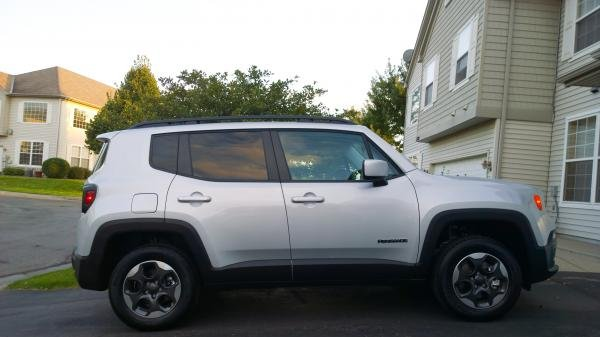 Showcase cover image for snowalkr's 2015 Jeep Renegade Latitude 4x4